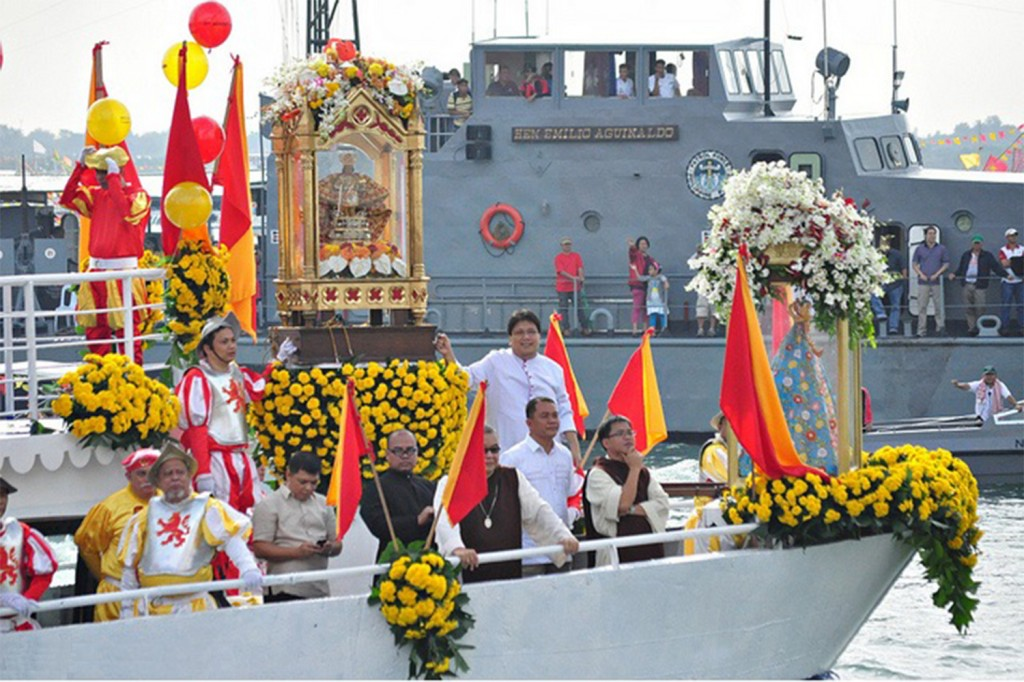 Sinulog-Fluvial-Parade1-1024x682 - Sinulog 2014, Cebu City - Philippine Photo Gallery