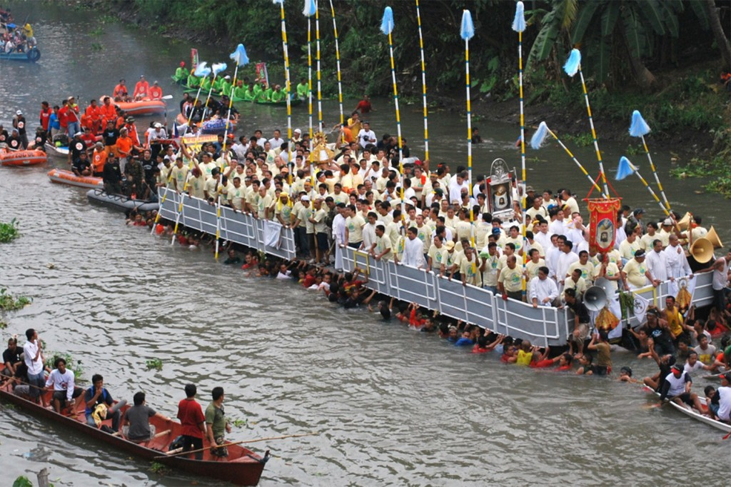 fluvial-parade-1024x682 - Sinulog 2014, Cebu City - Philippine Photo Gallery