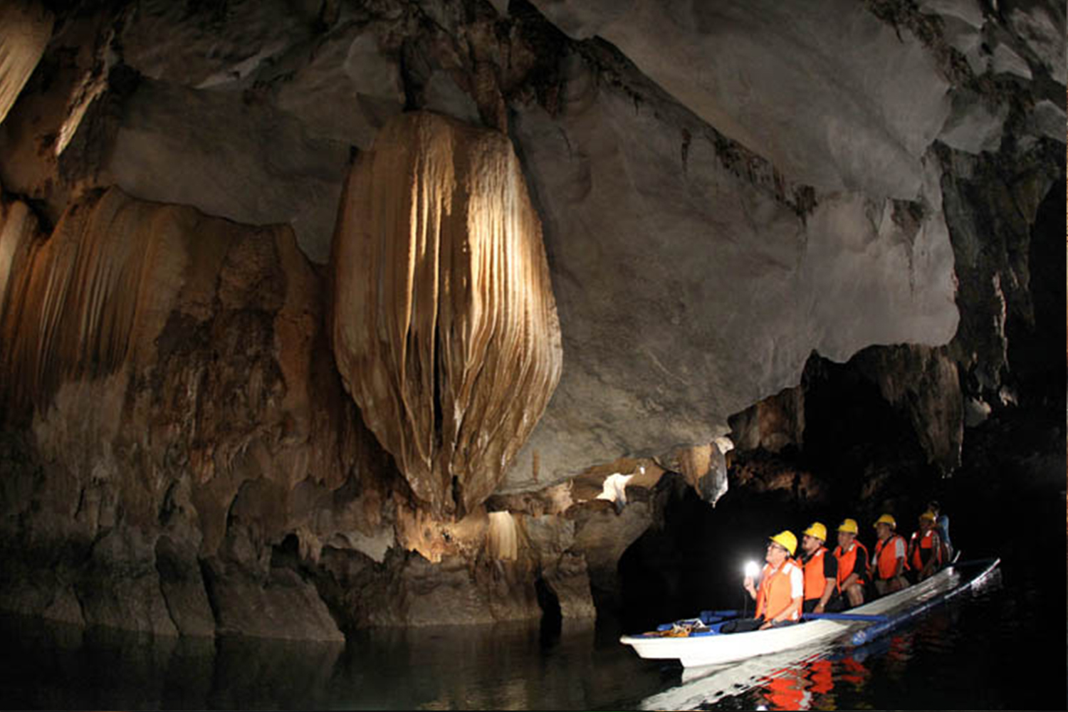 the puerto princesa subterranean river national Report on the iucn reactive monitoring mission to puerto-princesa subterranean river national park (philippines), 30 november - 5 december 2014 state of conservation reports by states parties 2016.
